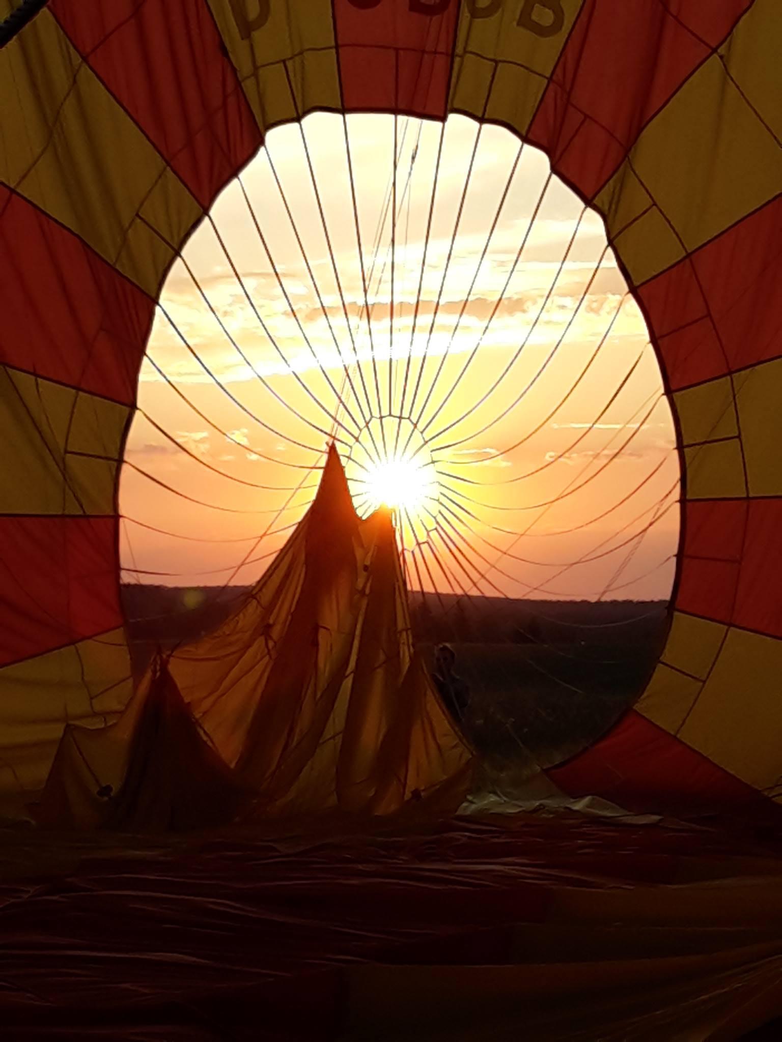 ballonfahrt-in-den-sonnenuntergang