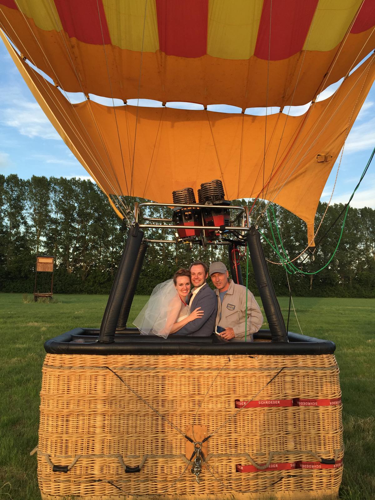 hochzeitsfotos-auf-einer-ballonfahrt
